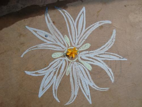 Chalk pattern for Rangoli